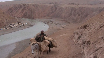 Afghan smugglers ply age-old trade