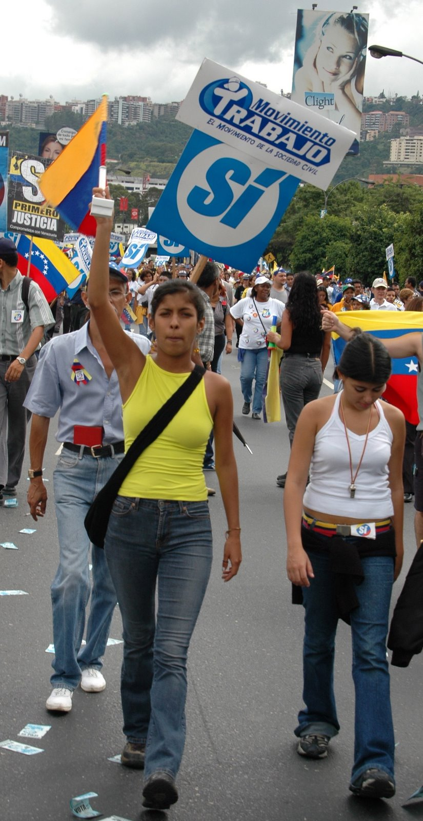 venezuela-girls-protest copy