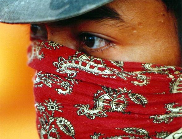 Zapatistas urge resistance, not violence